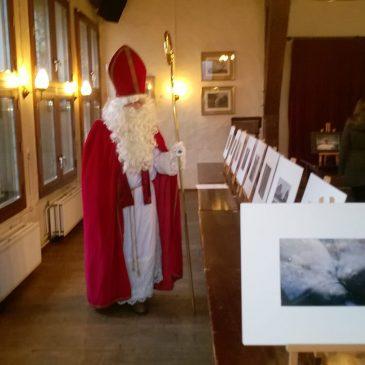 Sinterklaas bezoekt de expositie van FODO