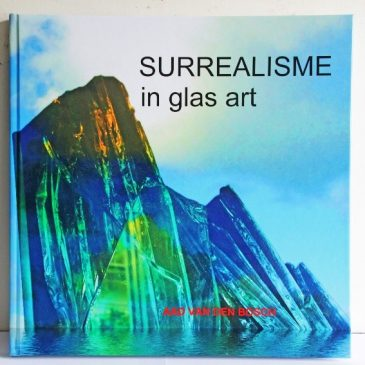 SURREALISME IN GLAS ART